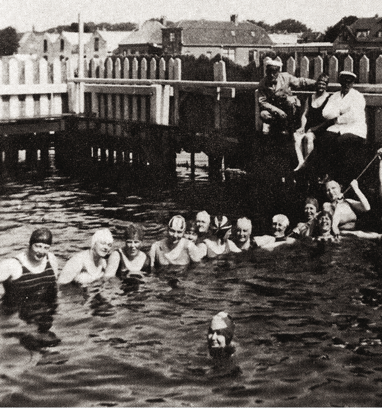 1934 Sluiting van het kanaalzwembad